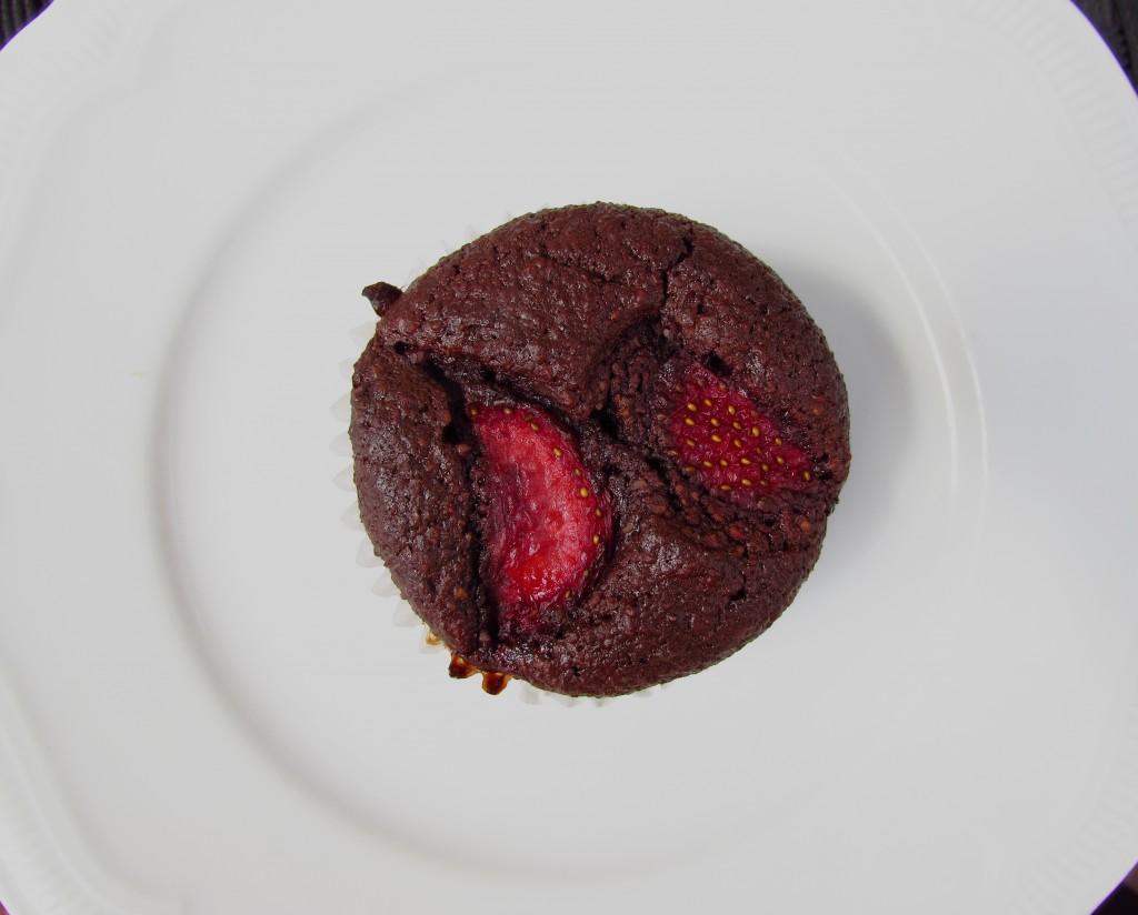 Protein-Schoko-Muffin mit Erdbeeren