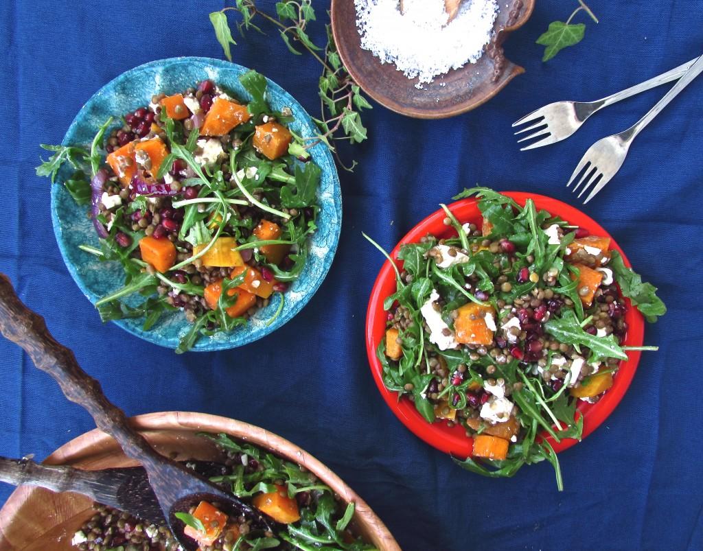 Fabelhafter Linsensalat mit Butternut, Granatapfel und Rucola