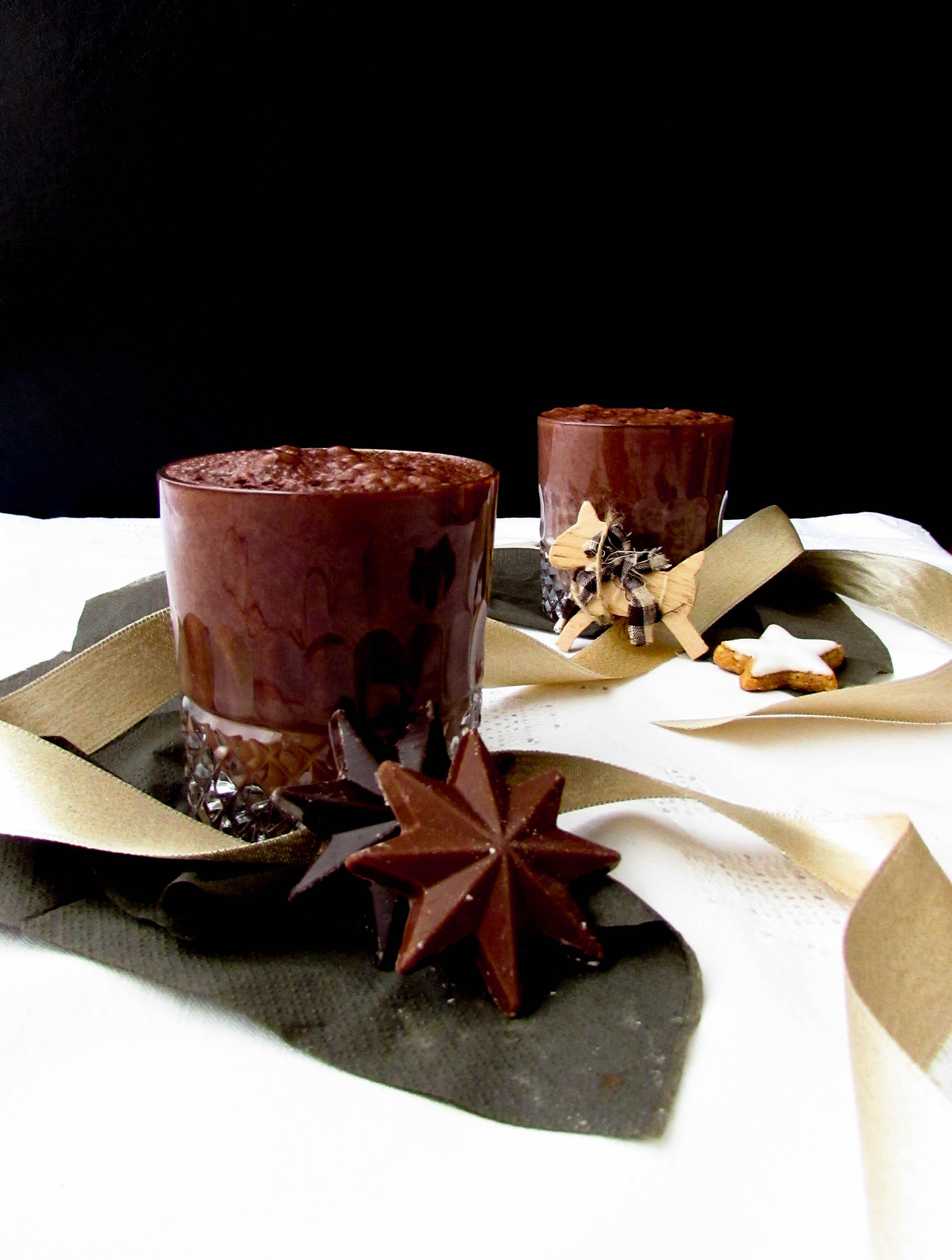 Heisse Schokolade Ohne Reue Mit Datteln Gesusst Vegan