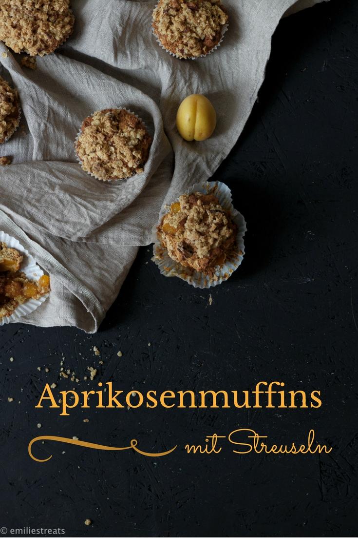 Aprikosenmuffins mit Kokosmehl und Grieß-Nuss-Streuseln #gesünderbacken