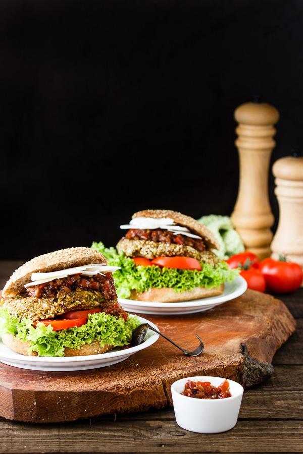 {Gastbeitrag} Sigrids Ziegenkäse-Tomatenchutney-Vollkornburger
