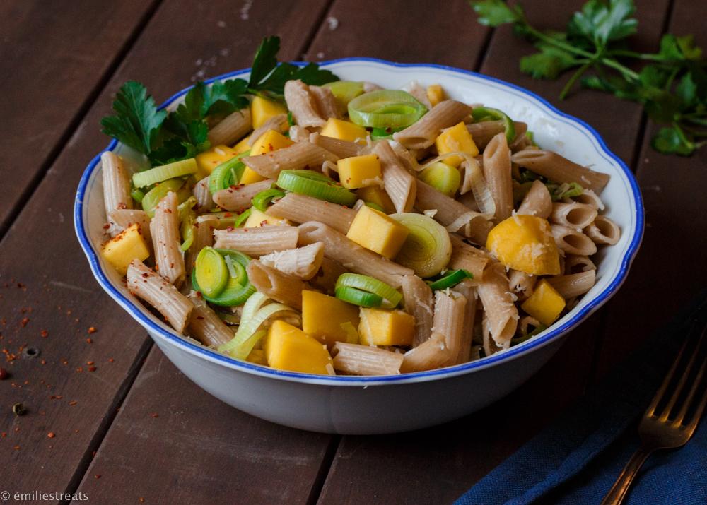 Mango-Nudeln mit Lauch, Parmesan und Chili - ein Rezept zum Verrücktwerden!