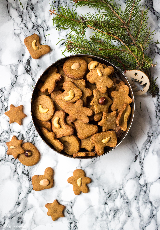 Kekse mit Kichererbsenmehl und viel Zimt