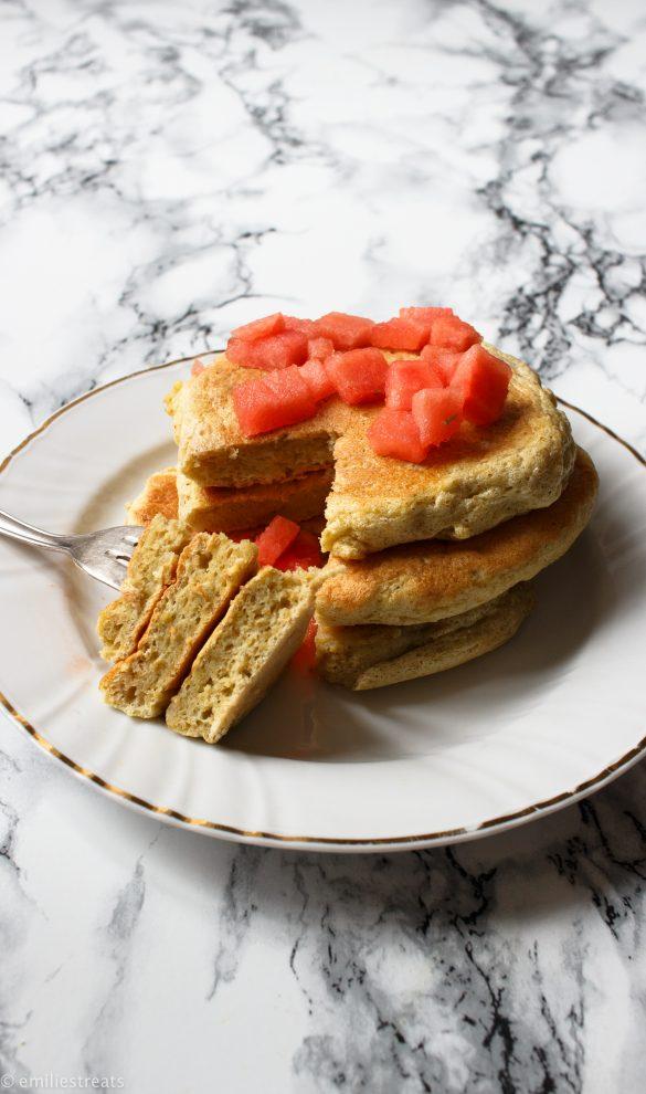 Fluffige Soufflé-Pancakes mit Hafermehl